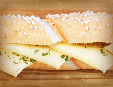 Salzstangerl mit Käse von Schärdinger vegetarisch Snacks Jause Danecker Bäckerei Konditorei Amstetten Bahnhof, Allersdorf, Greinsfurth, Perg, Linz, Wallsee, Aschbach, Mauer