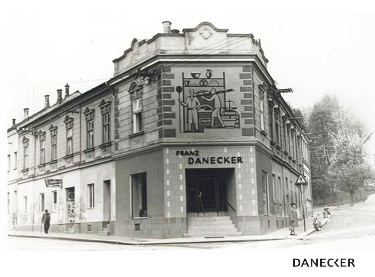 Bäckerei Danecker seit 1950 Fassade Viehdorferstraße Amstetten